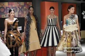 Vestidos de papel en Turistopía (@EnkarterriBio)